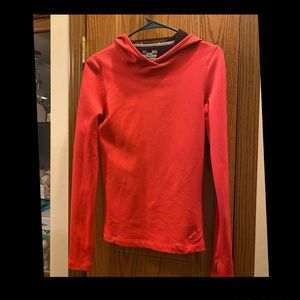 Woman's (M) Under Armour Hoodie